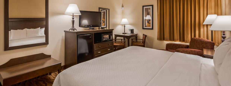 Best Wester Music Center Inn Branson Missouri King bedroom