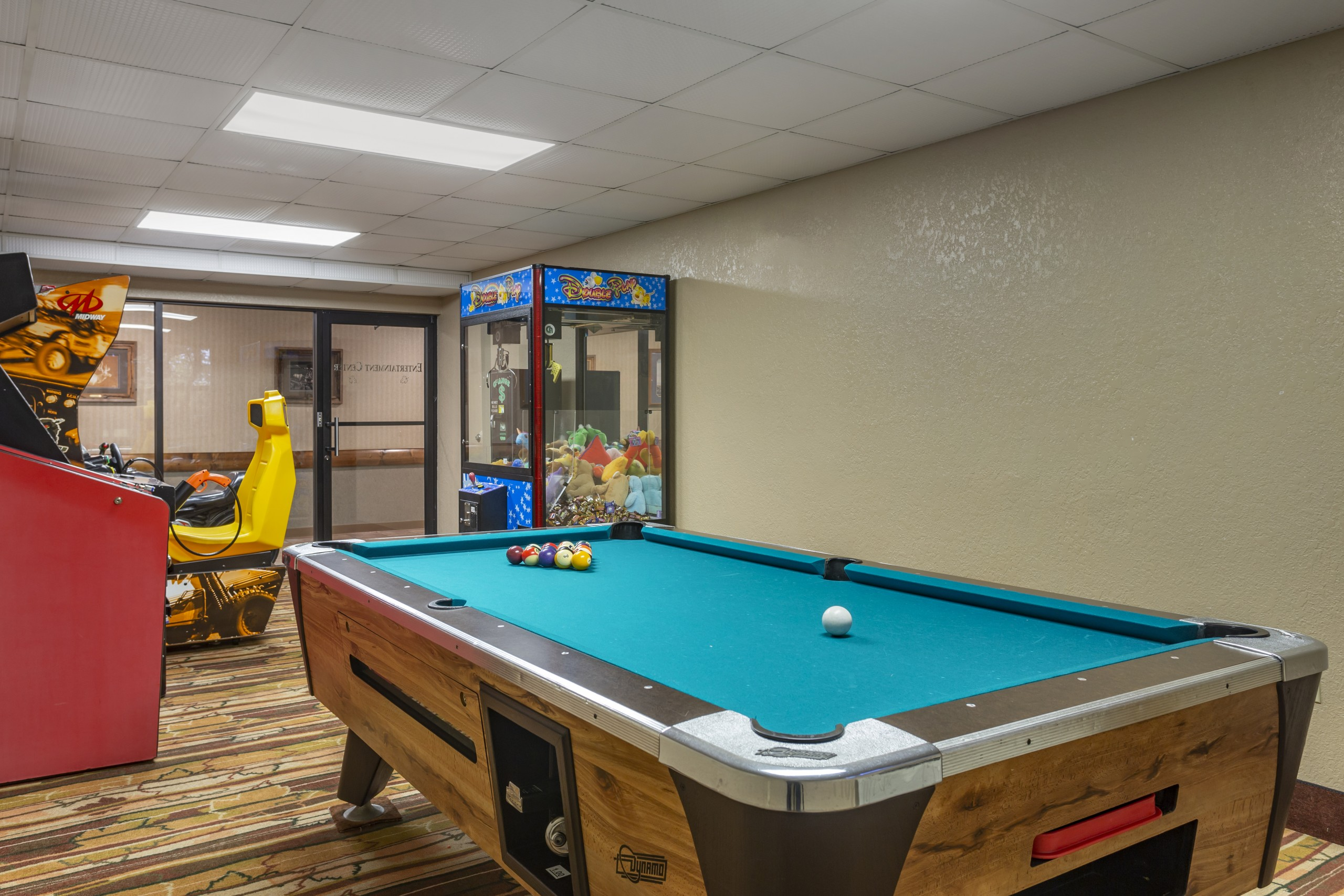 Branson Mo Comfort inn and suites game room pool table