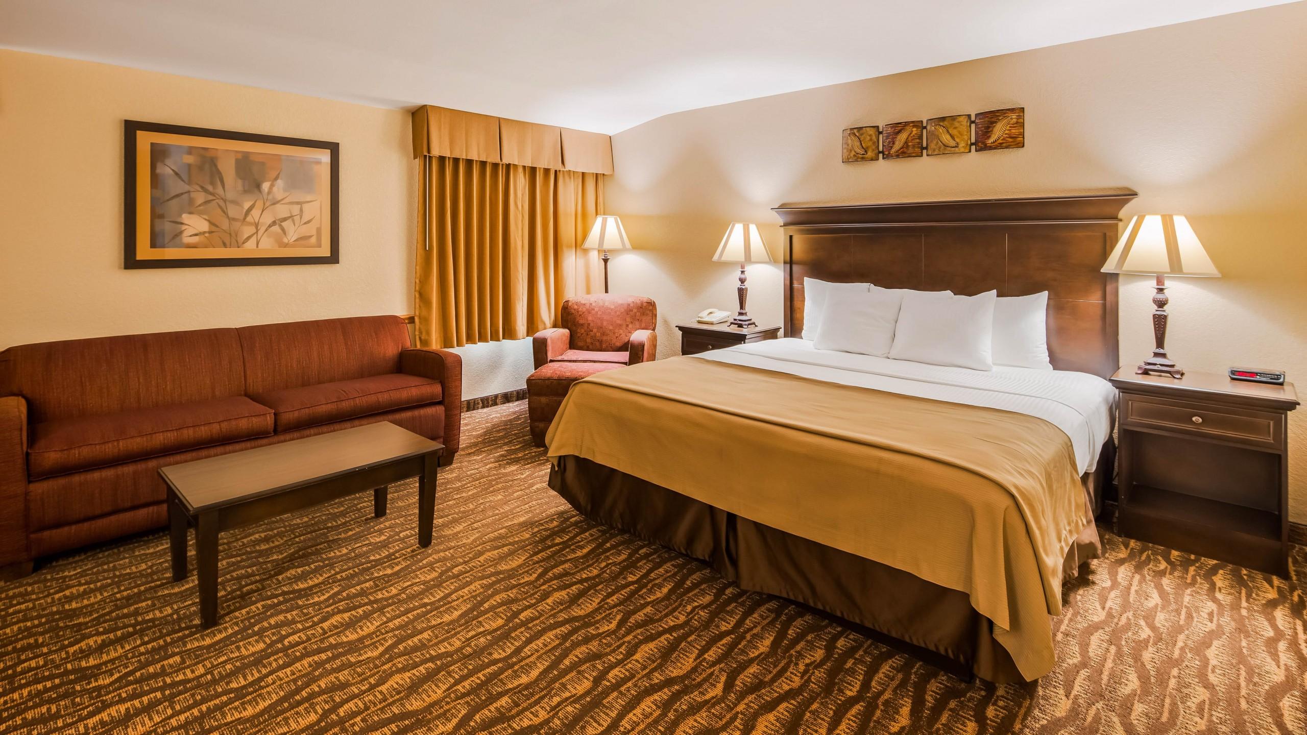 Best Western Center Pointe Inn King Suite