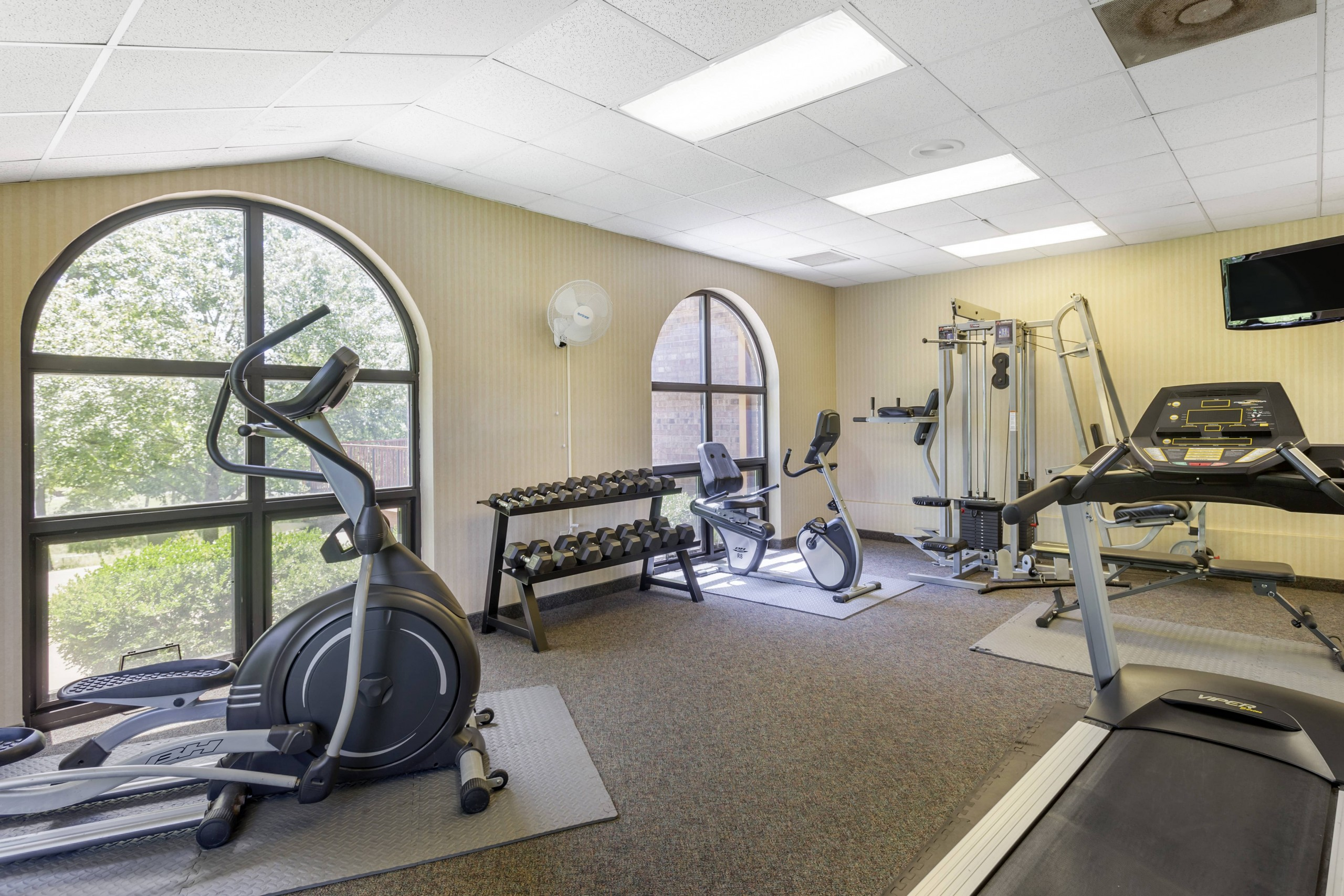 Comfort Inn Thousand Hills Fitness Room