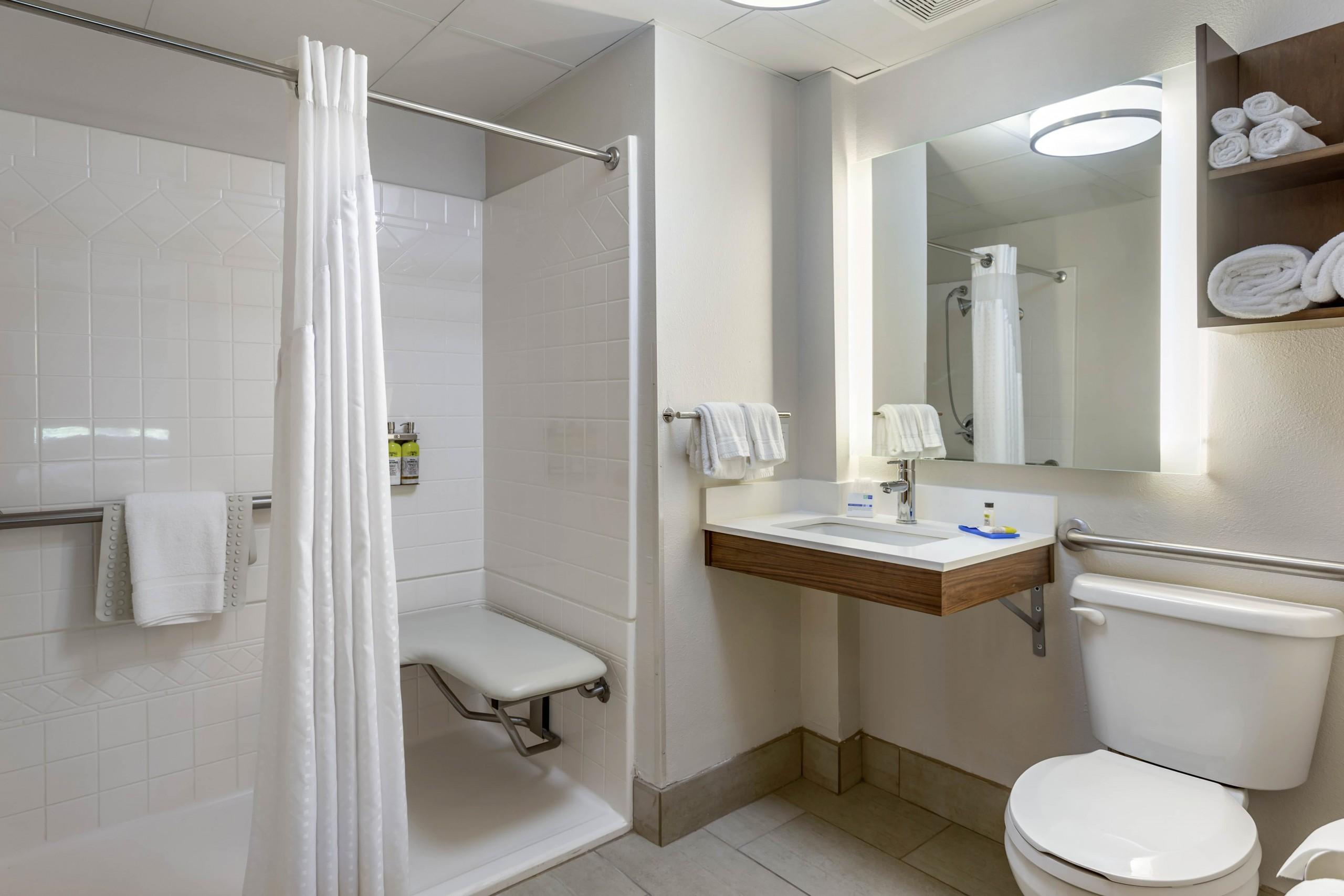 Holiday Inn Express Accessible King Bathroom
